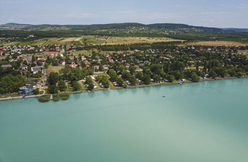 A vártnál jobb eredménnyel zárhatja az idei szezont Magyarország legnagyobb kempinglánca, a Balatontourist